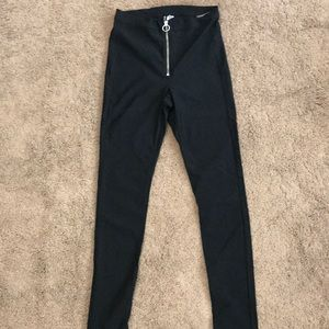 H&M stretchy pants with zipper